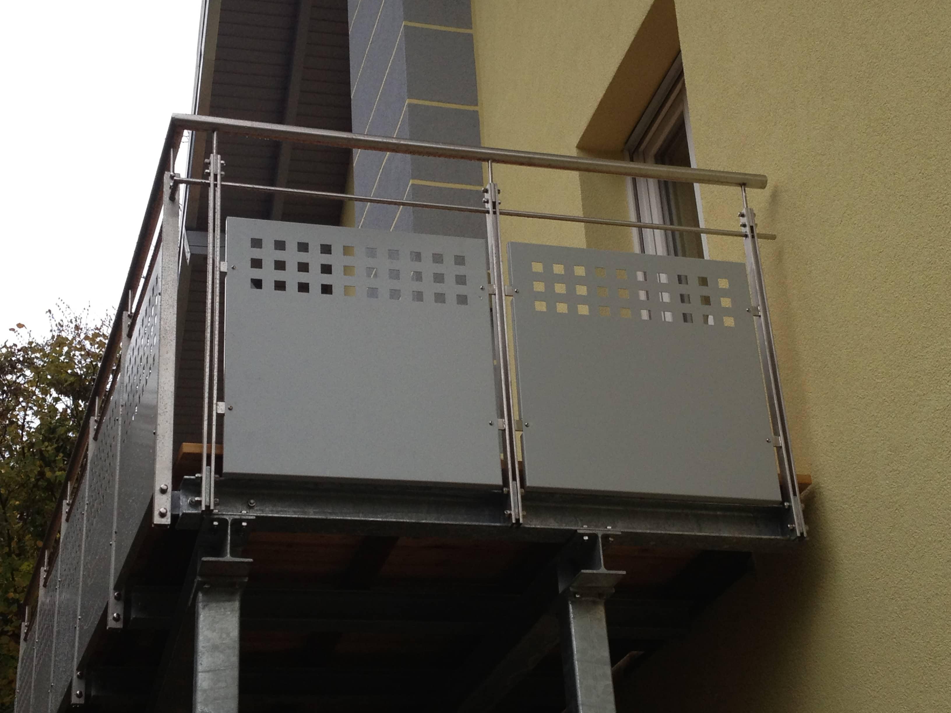 Balkongeländer aus Edelstahl von Metallfüllung von Metallbau Häusler